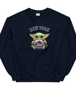 Baby Yoda hug New York Mets Unisex Sweatshirt